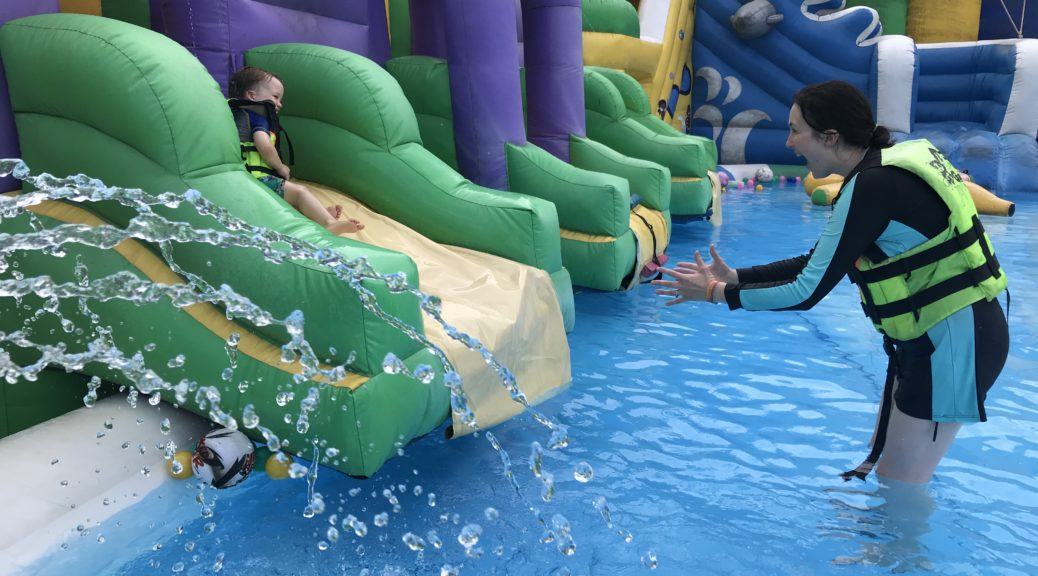 Grand Canyon Water Park, chiang Mai - slides in the kids pool