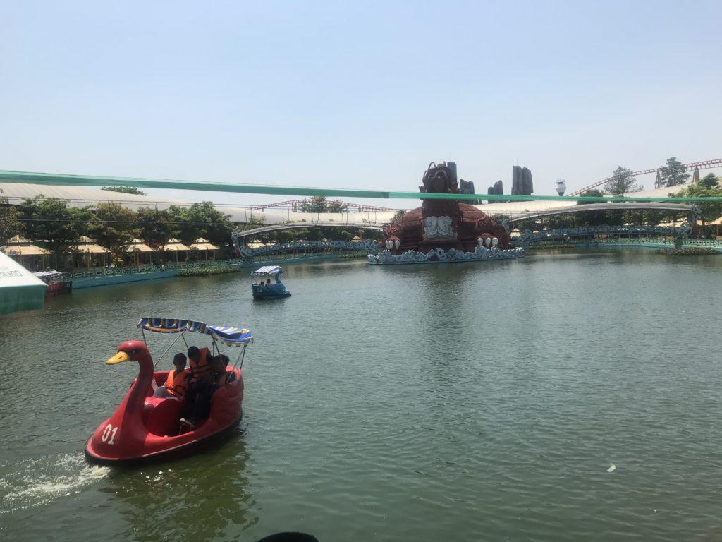 Swan boats at Suoi Tien